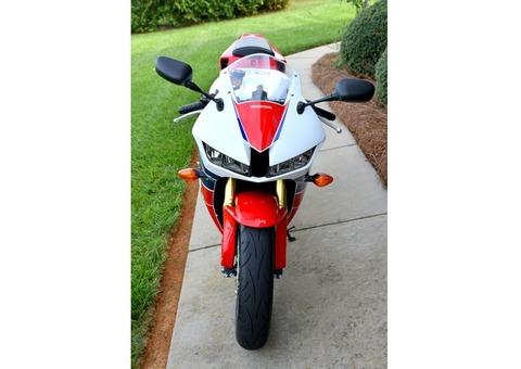 Honda CBR 600rr HRC /13