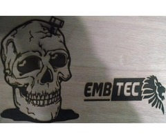 Embtec ofrece todo tipo de grabado y corte láser: