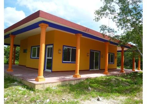 En Merida Villa con 3500m2 de terreno cerca del Puerto de Progreso