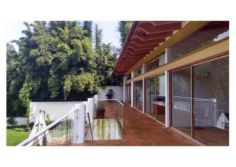 Casa Club de Golf Avandaro, Jardín, Terraza, Tapancos, Vista al Bosque,sur.