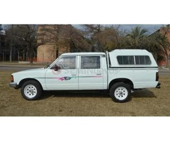 NISSAN PICKUP DOBLE CABINA