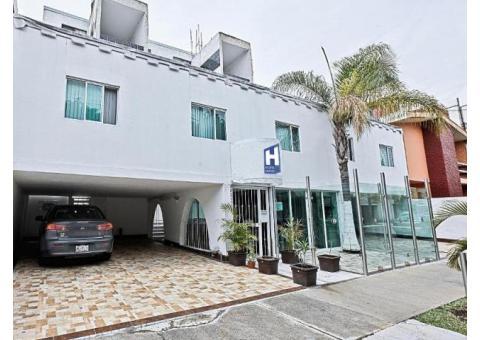 Siéntase como en casa al mejor precio $250.00 en  el Hotel & Suites Vagabundo  Expo Guadalajara