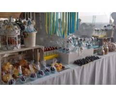 Mesa de Dulces con Fuente de chocolate y Brochetas