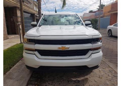 Chevrolet Silverado 2500 V8 4x4