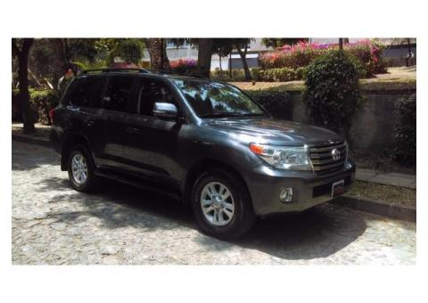 Toyota Land Cruiser 5p Wagon VX BL V8/5.7 Aut año 2014