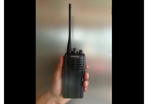 Radio Kenwood modelo TK3102G