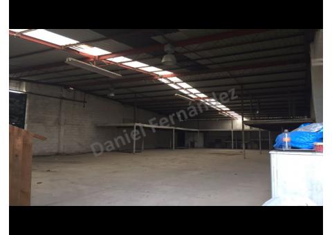 Bodega de 340 m2 en Renta