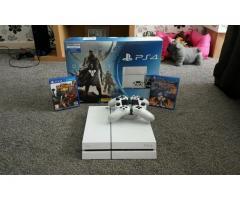 Sony Playstation 4 con almohadillas de control