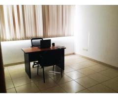 Te ofrecemos oficinas en renta con mobiliario