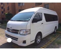 Toyota Hiace de pasajeros modelo 2014