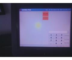 Terminal punto de venta con pantalla touch, cajón de dinero, impresora, lector de códigos.