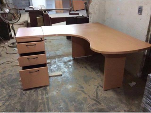 Escritorios para oficina usados muebles y decoraci n for Muebles de oficina usados en lugo